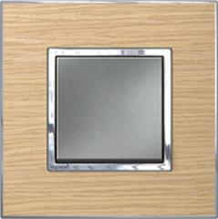 Arteor light wood switch